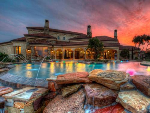 $3.9 Million Mountain Masterpiece Mansion in Texas 3