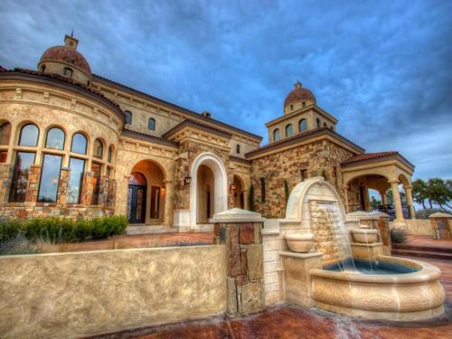 $3.9 Million Mountain Masterpiece Mansion in Texas 4