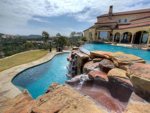 $3.9 Million Mountain Masterpiece Mansion in Texas 6