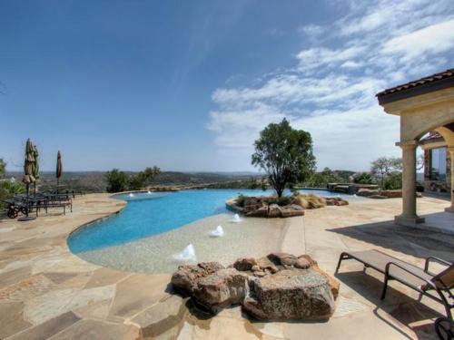 $3.9 Million Mountain Masterpiece Mansion in Texas 7