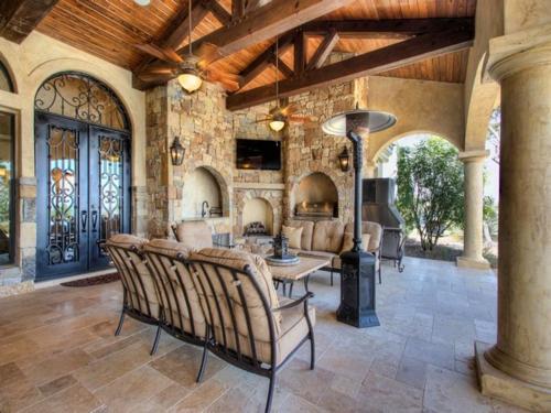 $3.9 Million Mountain Masterpiece Mansion in Texas 8