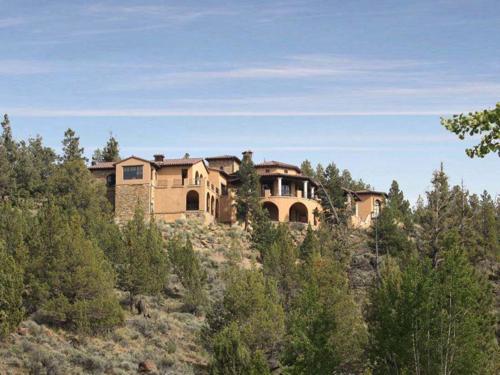 $4.9 Million Mediterranean Mansion in Oregon 17