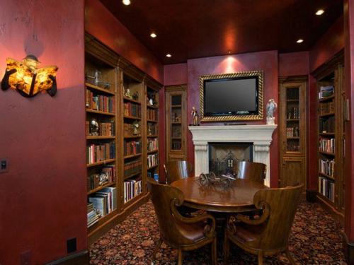 $4.9 Million Mediterranean Mansion in Oregon 9