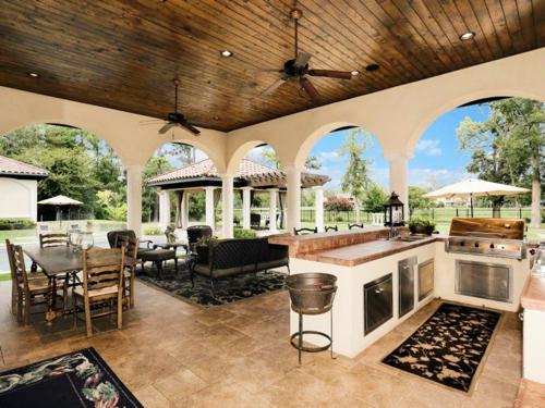 $6.2 Million Fabulous Mediterranean Estate in Texas 17
