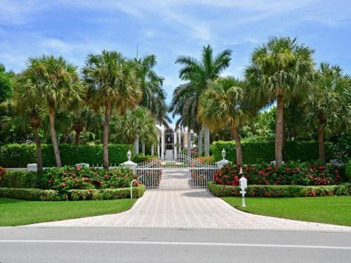 $13.4 Million Gated Elegant Estate in Delray Beach Florida 13