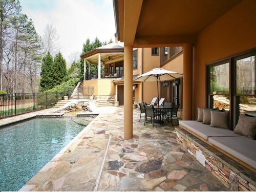 $2.5 Million Gated Riverfront European Style Estate in Georgia 14