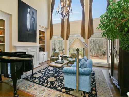 $2.5 Million Gated Riverfront European Style Estate in Georgia 3