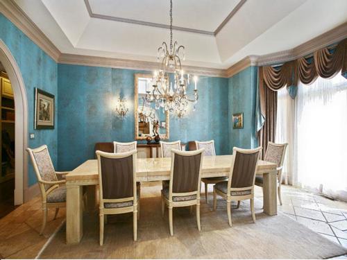 $2.5 Million Gated Riverfront European Style Estate in Georgia 4