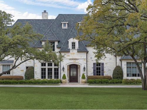 $3.4 Million Luxurious Stone Estate in Texas