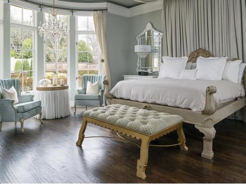 $3.4 Million Luxurious Stone Estate in Texas 11