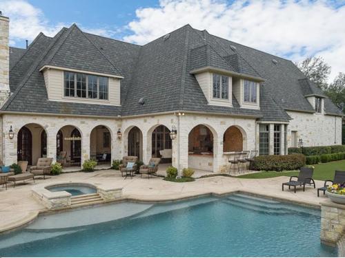 $3.4 Million Luxurious Stone Estate in Texas 16