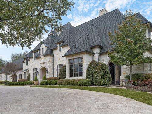 $3.4 Million Luxurious Stone Estate in Texas 22