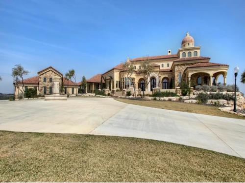 $3.9 Million Mansion Masterpiece in Texas 2