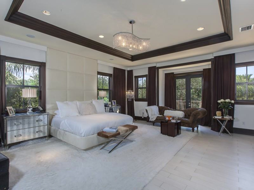 $5.4 Million Elegant Mansion in Pinecrest Florida 6