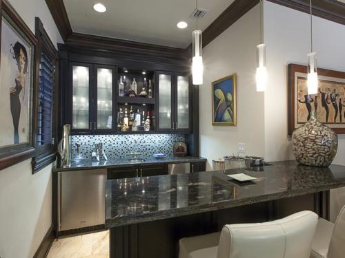 $5.4 Million Elegant Mansion in Pinecrest Florida 9
