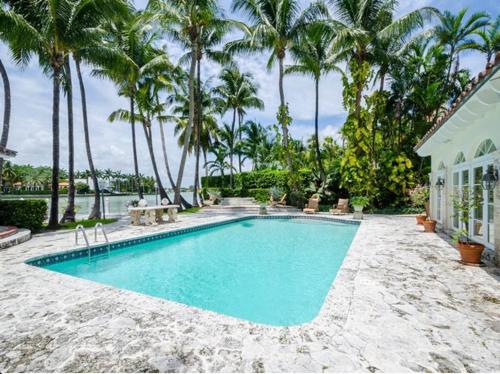 $6.3 Million Mediterranean Waterfront Estate in Miami Beach Florida 12