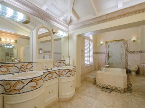 $6.3 Million Mediterranean Waterfront Estate in Miami Beach Florida 9
