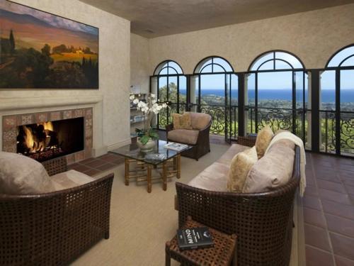 $13 Million Italian Villa Style Mansion in Montecito California 11