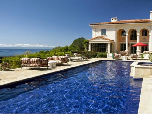$13 Million Italian Villa Style Mansion in Montecito California 13