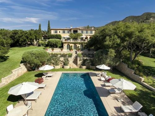 $23.5 Million Prima Luce Mansion in Montecito California 17