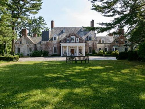 $9.9 Million Brick Georgian Manor in Old Brookville New York 2