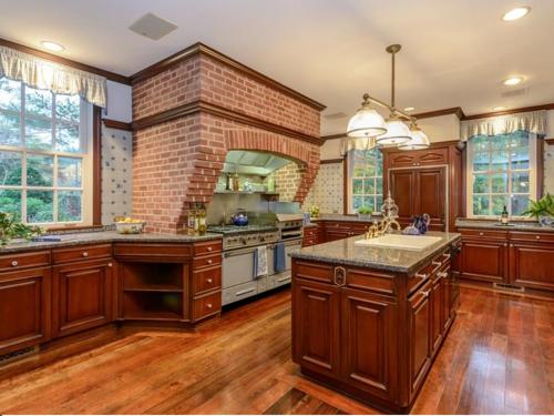 $9.9 Million Brick Georgian Manor in Old Brookville New York 5