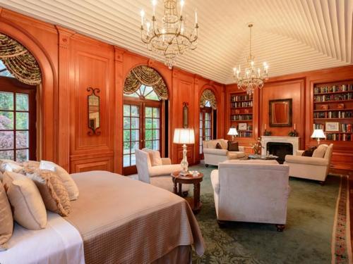 $9.9 Million Brick Georgian Manor in Old Brookville New York 6