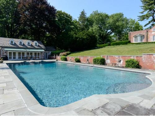 $9.9 Million Brick Georgian Manor in Old Brookville New York 9