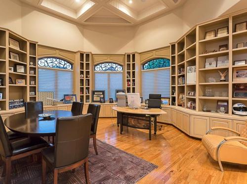$3.4 Million Grand Estate in Austin Texas 16