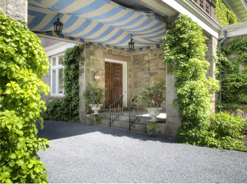Elegantly Understated Stone Villa in Newport Rhode Island 2