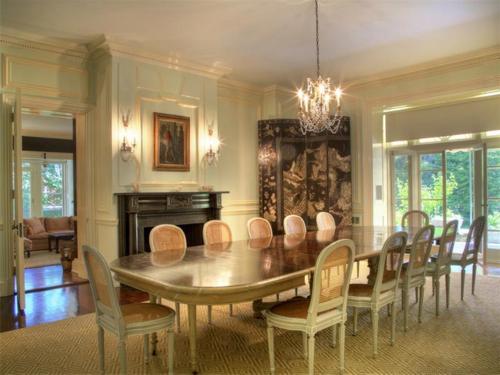 Elegantly Understated Stone Villa in Newport Rhode Island 7