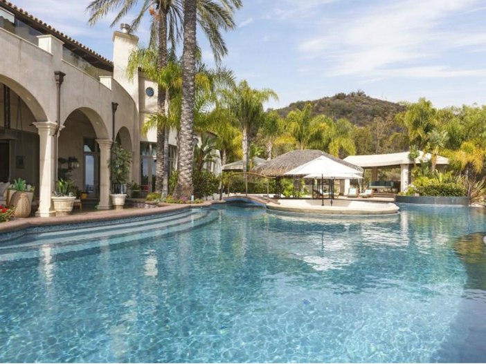 $14.5 Million Luxurious Villa in Pacific Palisades, California - Pool