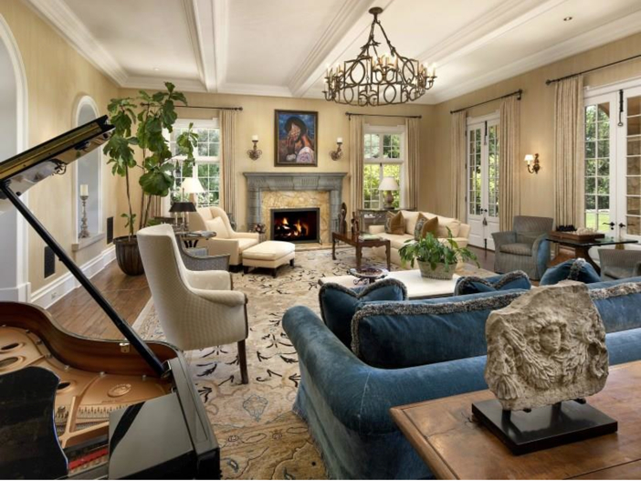 $23.5 Million Prima Luce Mansion in Montecito, California - Living Room