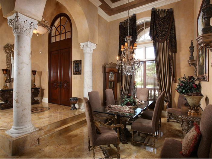 $4.5 Million Luxurious Estate in Naples, Florida - Dining Room
