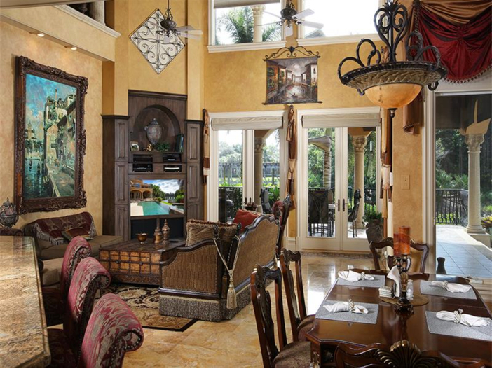 $4.5 Million Luxurious Estate in Naples, Florida - Living Room