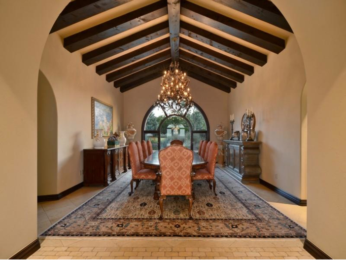 $5.3 Million Tuscan Mansion in Austin, Texas - Dining Room