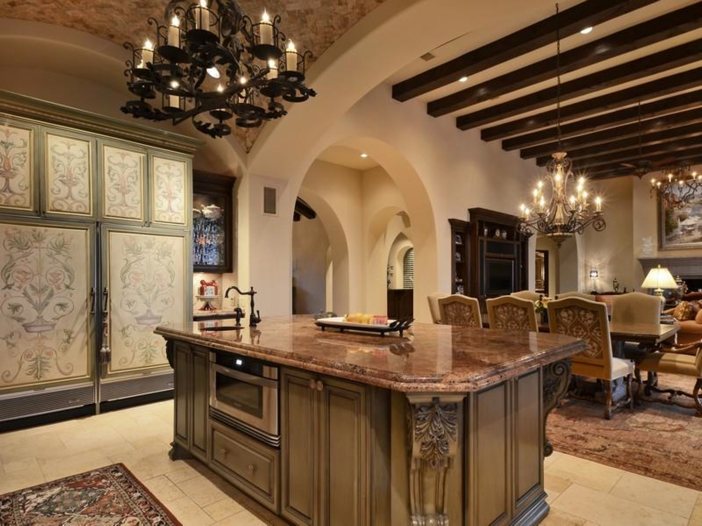 $5.3 Million Tuscan Mansion in Austin, Texas - Large Island for Entertaining
