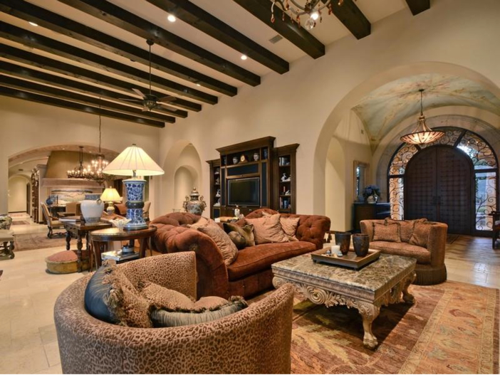 $5.3 Million Tuscan Mansion in Austin, Texas - Living Room