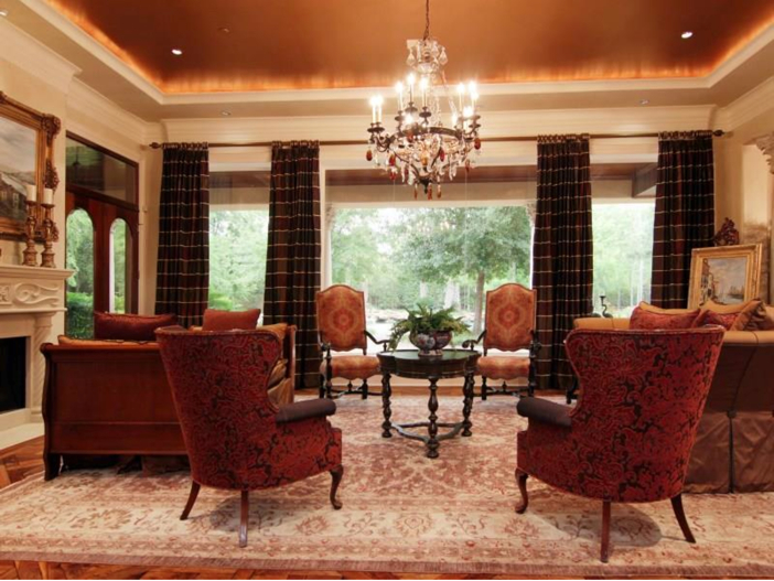 $5.7 Million Magnificent Gated Estate in Houston, Texas - Elegant Living Room