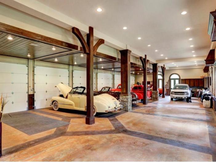 $7.5 Million Mediterranean Mansion in Houston, Texas - Garage