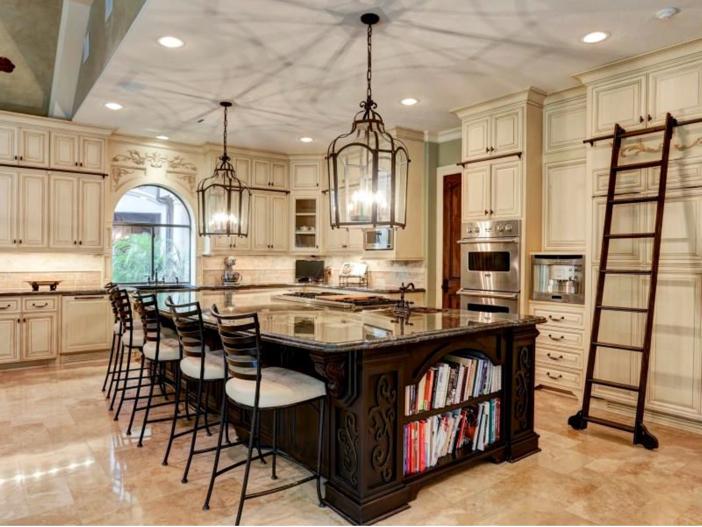 $7.5 Million Mediterranean Mansion in Houston, Texas - Kitchen