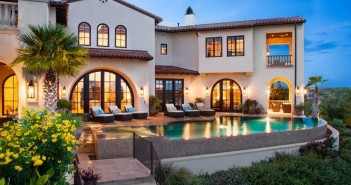 $9.9 Million Italian Villa La Isla in Texas