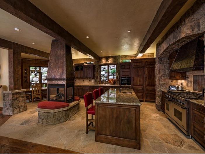 $10.9 Million Luxury Log Home in Beaver Creek, Colorado - Kitchen