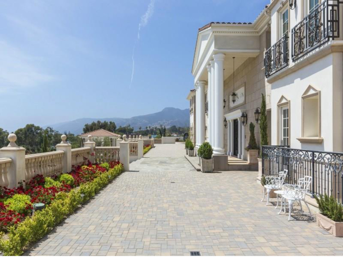 $12.7 Million Neo Classical Mansion in Malibu, California 4