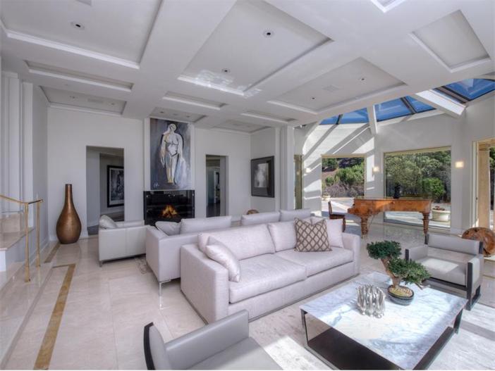 $15 Million Gated Private Mansion in Tiburon, California - Living Room