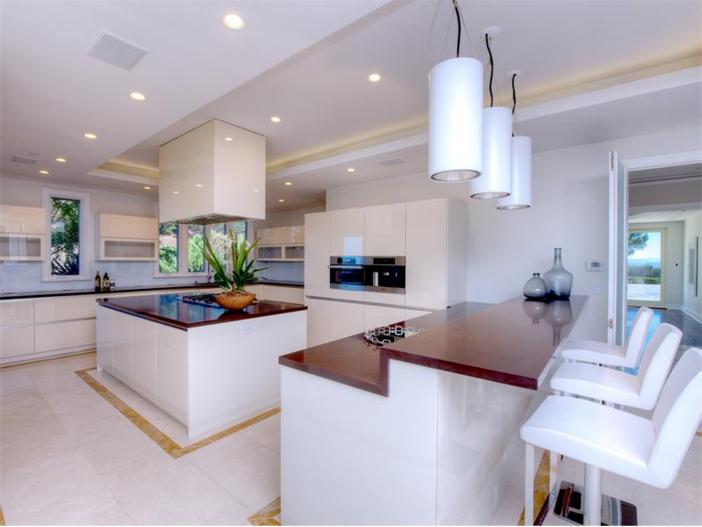 $15 Million Gated Private Mansion in Tiburon, California - Modern Kitchen