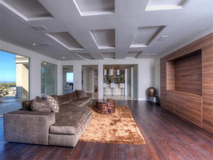 $15 Million Gated Private Mansion in Tiburon, California - Sitting Room