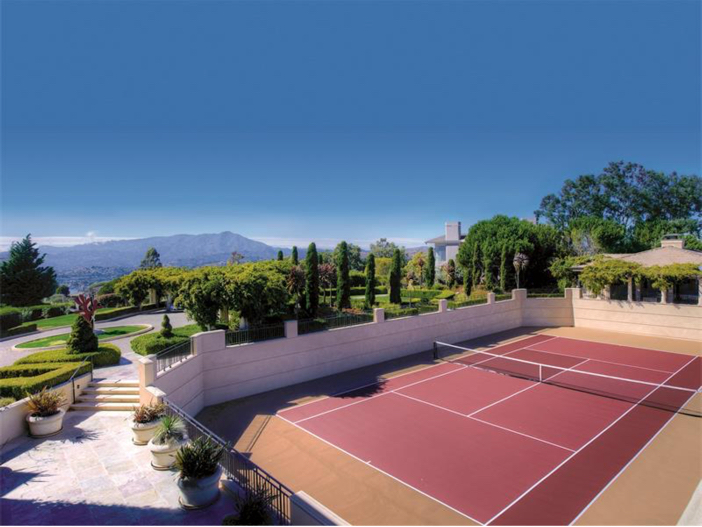 $15 Million Gated Private Mansion in Tiburon, California - Walled Tennis Court