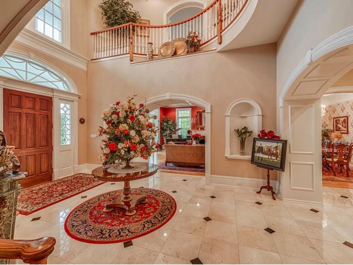 $2.9 Million Greek Revival Mansion in St. Louis, Missouri - Foyer