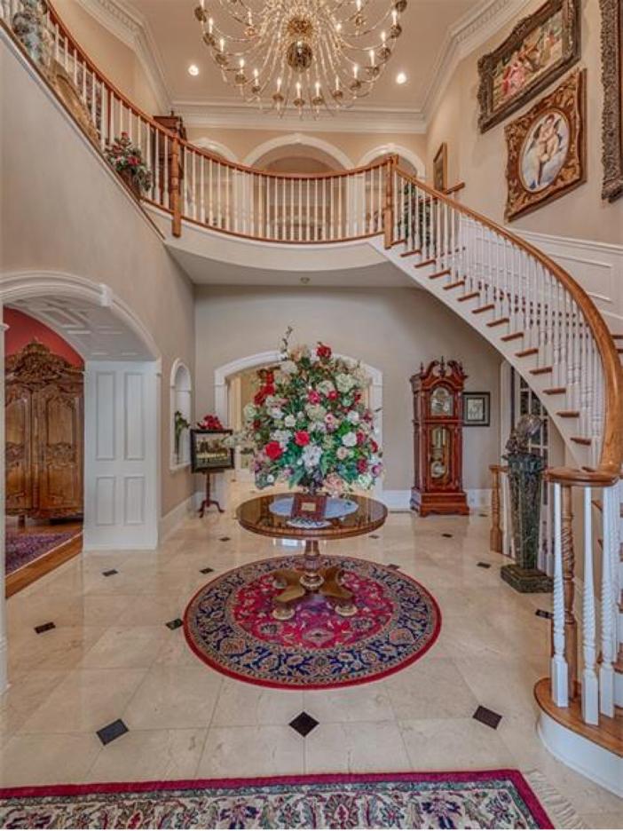 $2.9 Million Greek Revival Mansion in St. Louis, Missouri - Staircase
